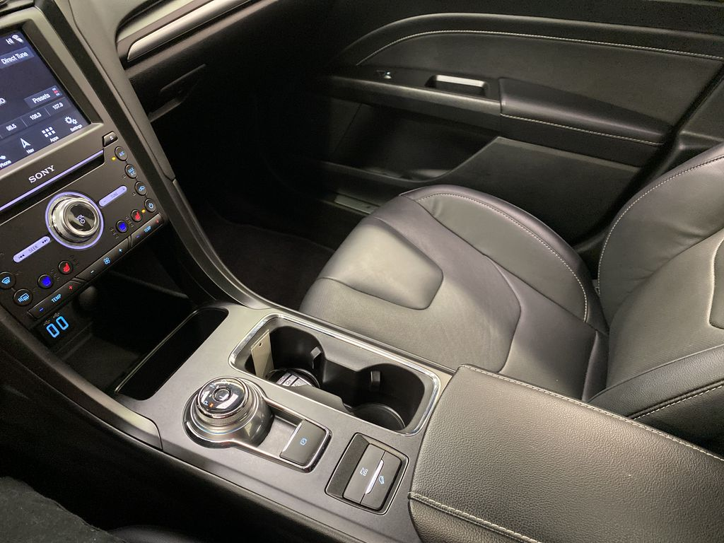 2019 Ford Fusion Hybrid Center Console Photo in Dartmouth NS