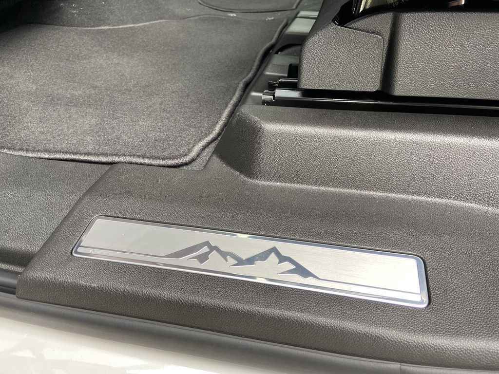 White[Iridescent Pearl Tricoat] 2021 Chevrolet Tahoe High Country Right Side Front Seat  Photo in Calgary AB