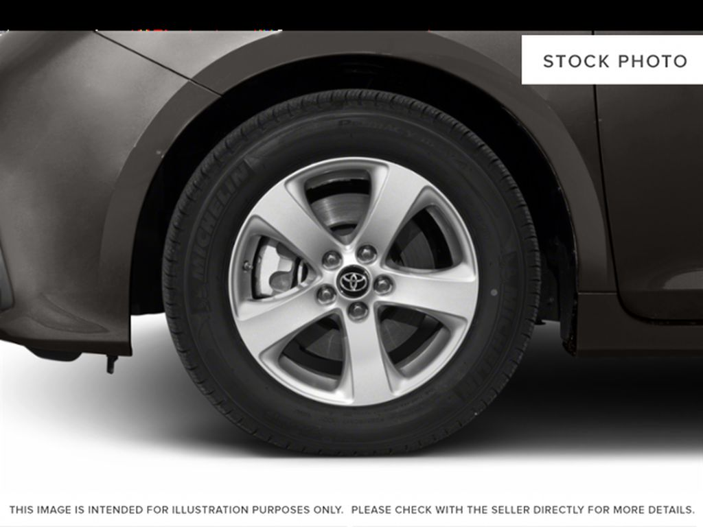 Silver[Celestial Silver Metallic] 2020 Toyota Sienna FWD 7 Passenger Left Front Rim and Tire Photo in Kelowna BC
