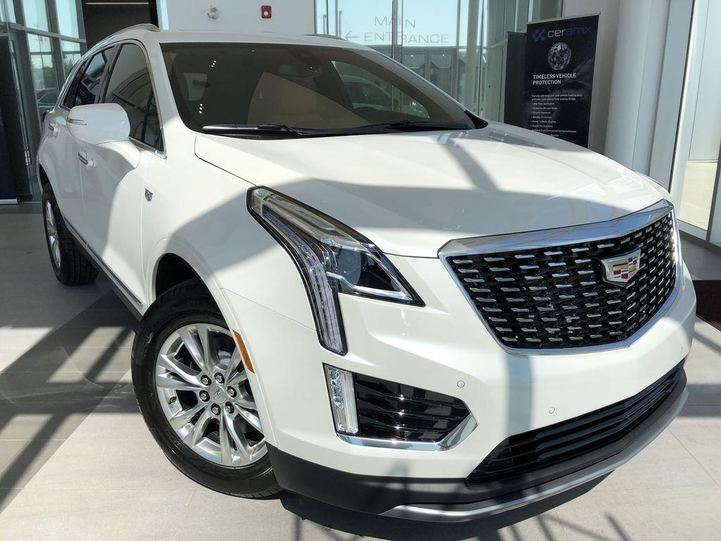 White[Crystal White Tricoat] 2020 Cadillac XT5