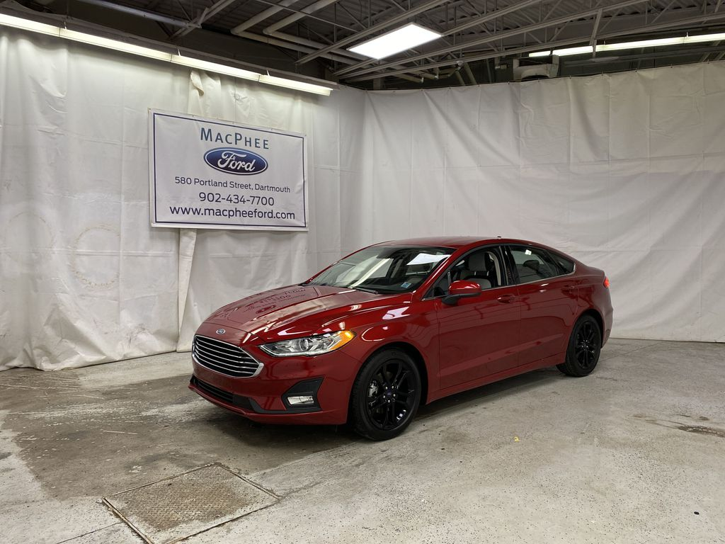 Red[Rapid Red Metallic Tinted Clearcoat] 2020 Ford Fusion