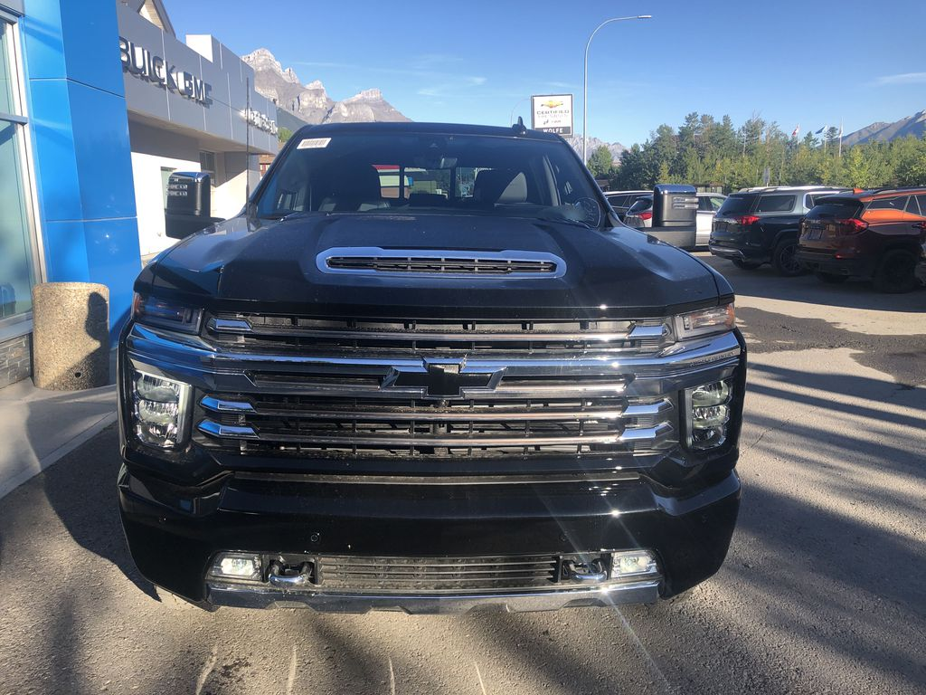 Black[Black] 2020 Chevrolet Silverado 2500HD Front Vehicle Photo in Canmore AB