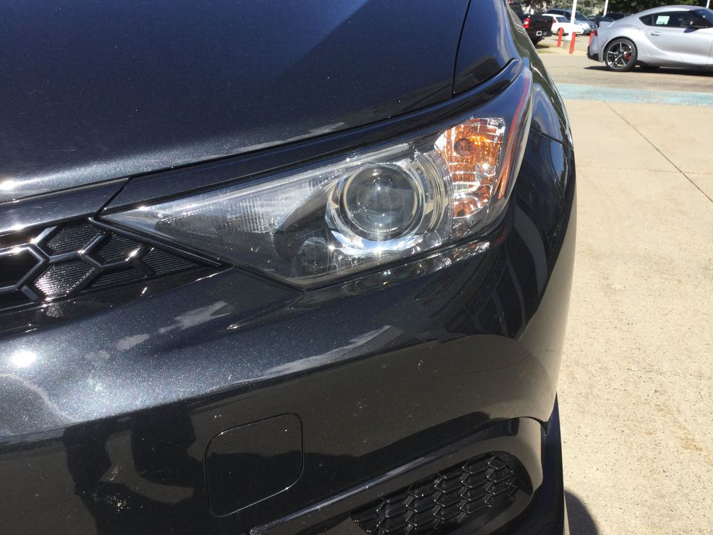 Black[Black Sand Pearl] 2018 Toyota Corolla iM Left Front Head Light / Bumper and Grill in Brockville ON