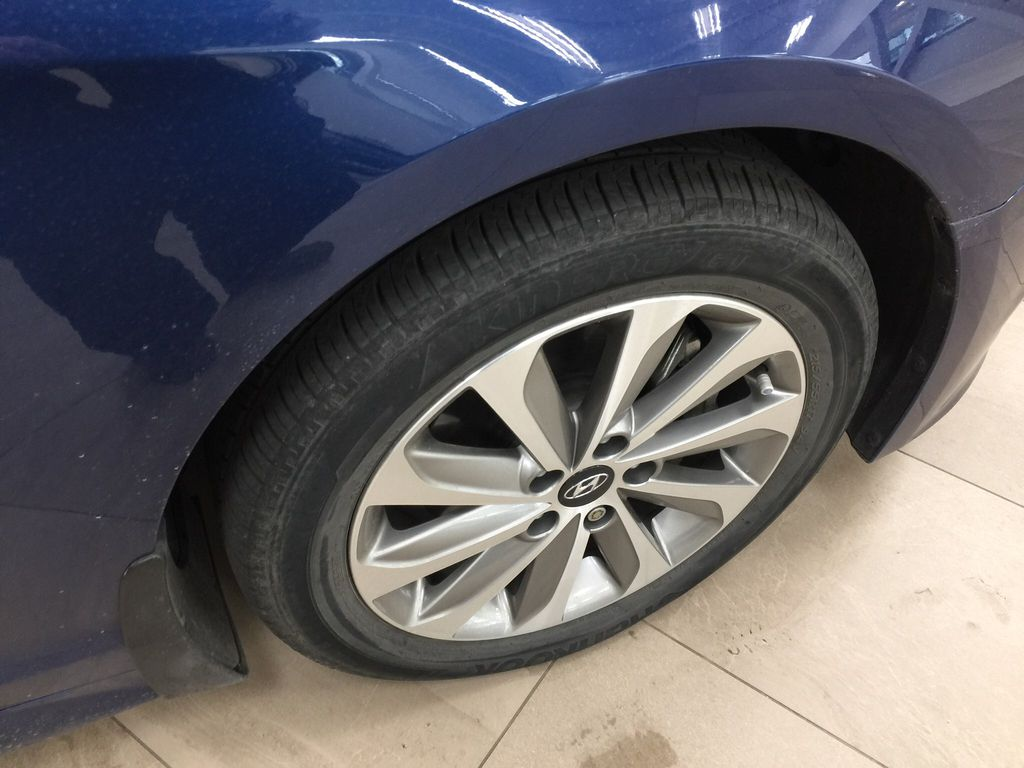 Blue[Coast Blue Pearl] 2016 Hyundai Sonata Sport Tech Right Front Rim and Tire Photo in Sherwood Park AB