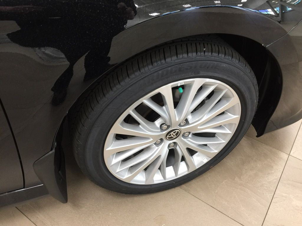 Black[Midnight Black Metallic] 2020 Toyota Camry XLE Right Front Rim and Tire Photo in Sherwood Park AB