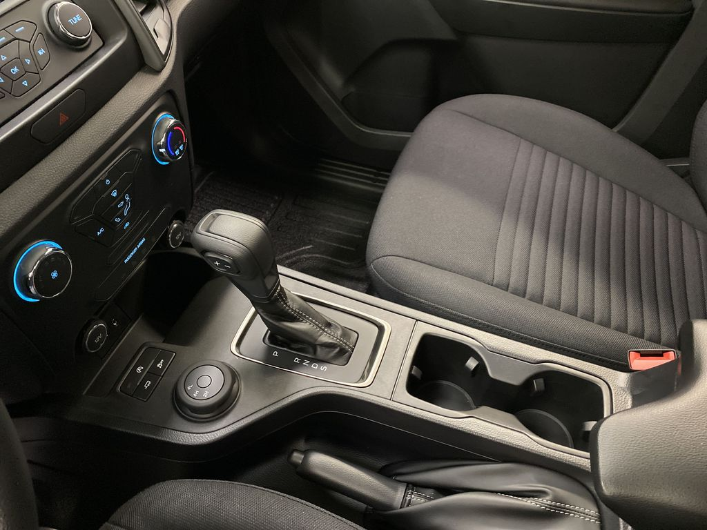 OXFORD WHITE 2020 FORD RANGER Center Console Photo in Dartmouth NS