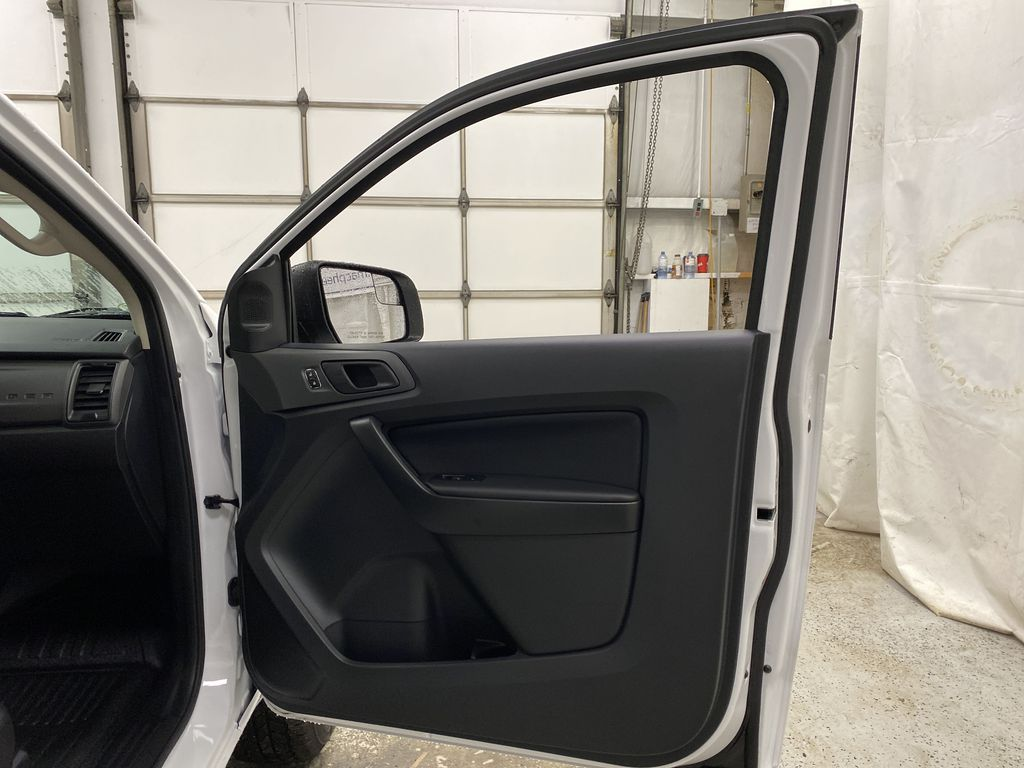 OXFORD WHITE 2020 FORD RANGER Right Front Interior Door Panel Photo in Dartmouth NS
