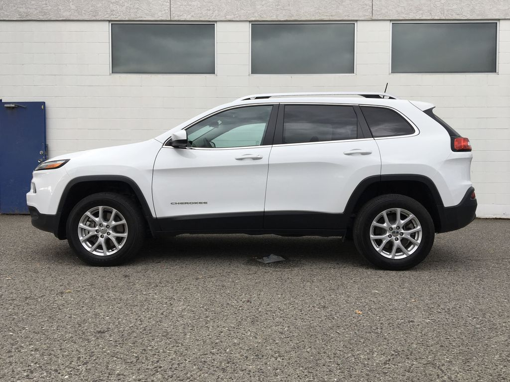 White[Bright White] 2016 Jeep Cherokee North Edition Left Side Photo in Kelowna BC