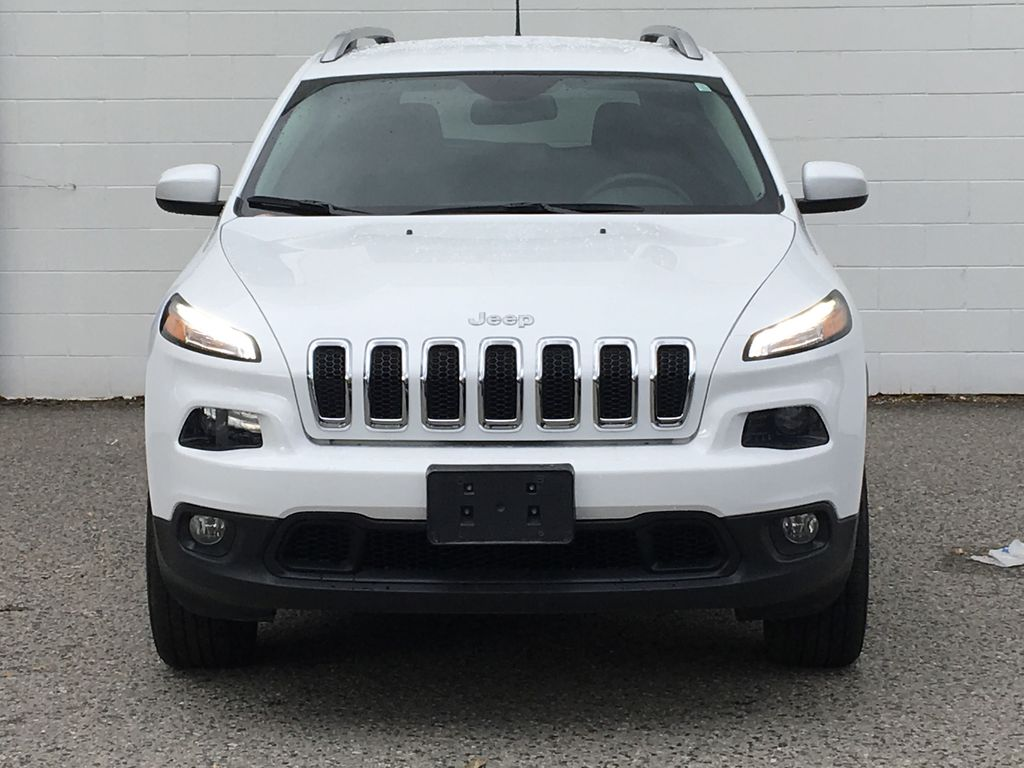 White[Bright White] 2016 Jeep Cherokee North Edition Front Vehicle Photo in Kelowna BC