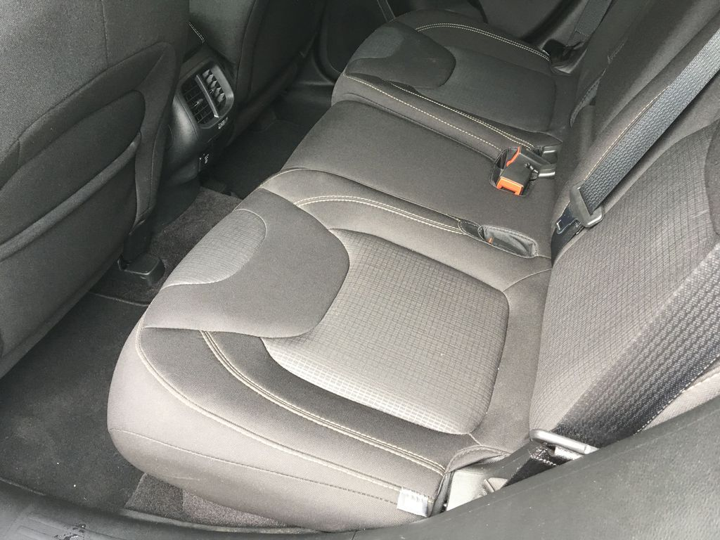 White[Bright White] 2016 Jeep Cherokee North Edition Right Side Rear Seat  Photo in Kelowna BC