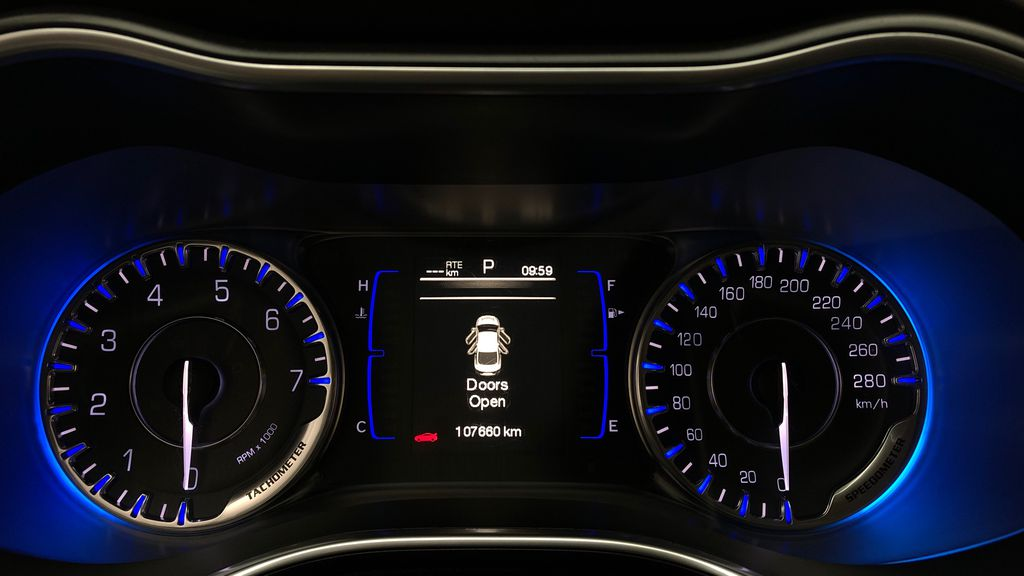 Black[Gloss Black] 2015 Chrysler 200 LX - 9−Speed Automatic Transmission, Cruise Control Odometer Photo in Winnipeg MB
