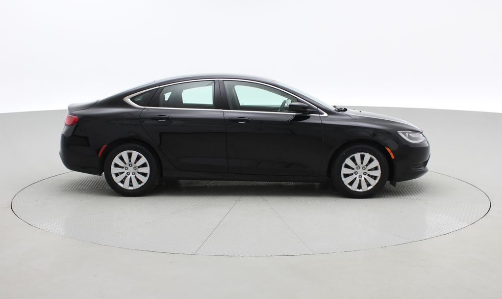 Black[Gloss Black] 2015 Chrysler 200 LX - 9−Speed Automatic Transmission, Cruise Control Right Side Photo in Winnipeg MB