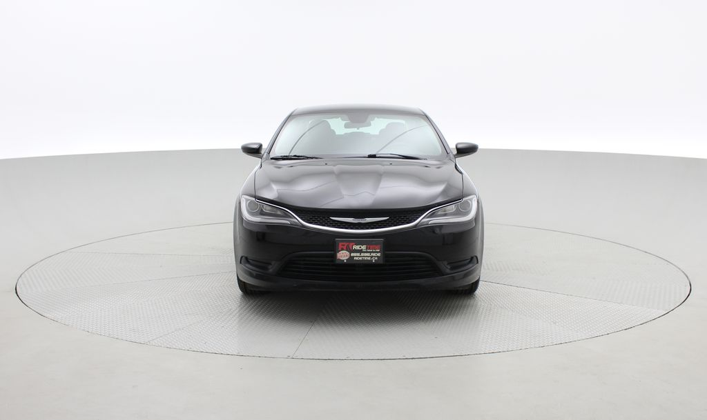 Black[Gloss Black] 2015 Chrysler 200 LX - 9−Speed Automatic Transmission, Cruise Control Front Vehicle Photo in Winnipeg MB