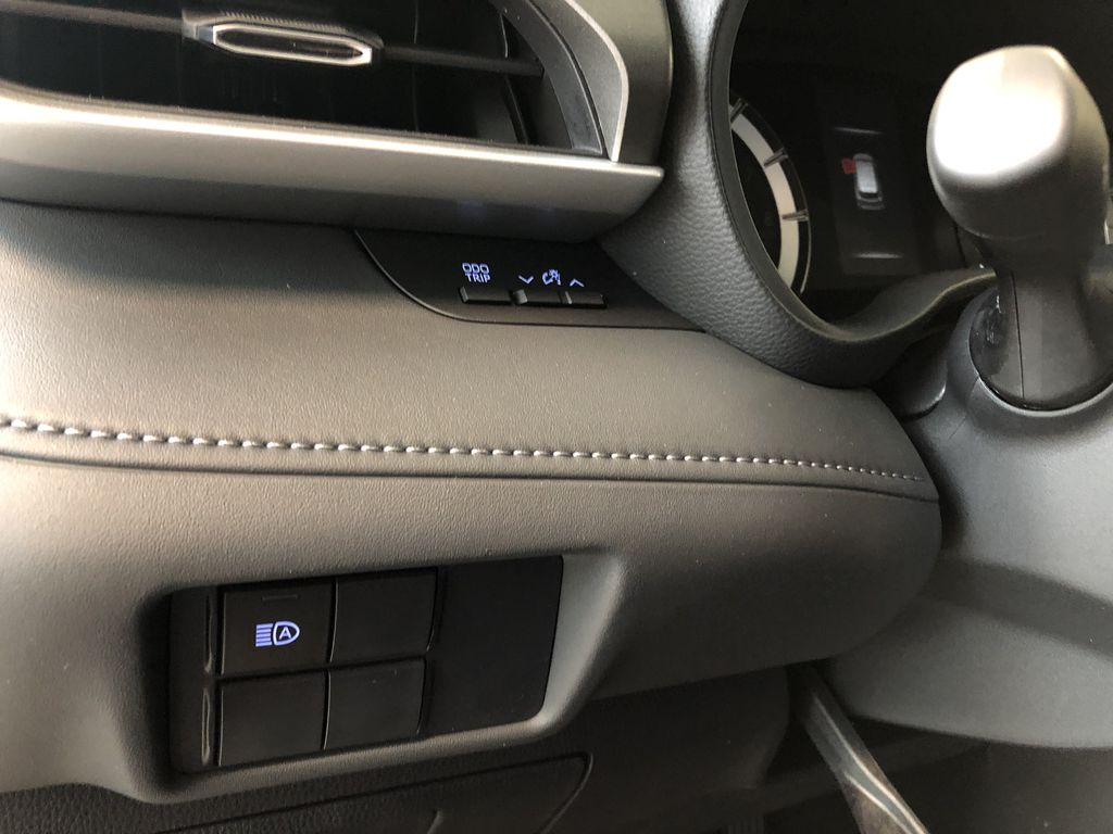 Magnetic Grey Metallic 2020 Toyota Highlander LE Right Side Front Seat  Photo in Edmonton AB