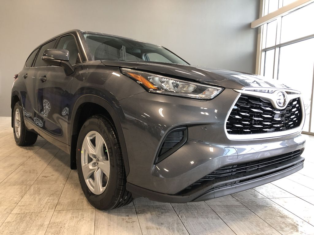Magnetic Grey Metallic 2020 Toyota Highlander LE Left Front Interior Photo in Edmonton AB