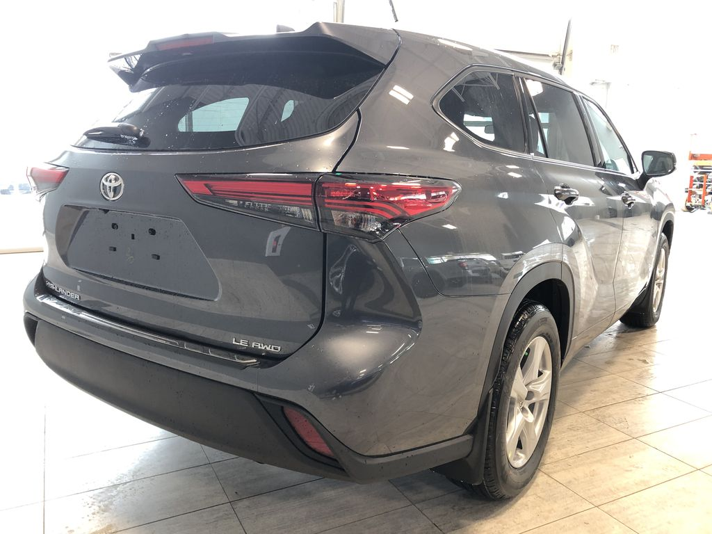 Magnetic Grey Metallic 2020 Toyota Highlander LE Rear of Vehicle Photo in Edmonton AB