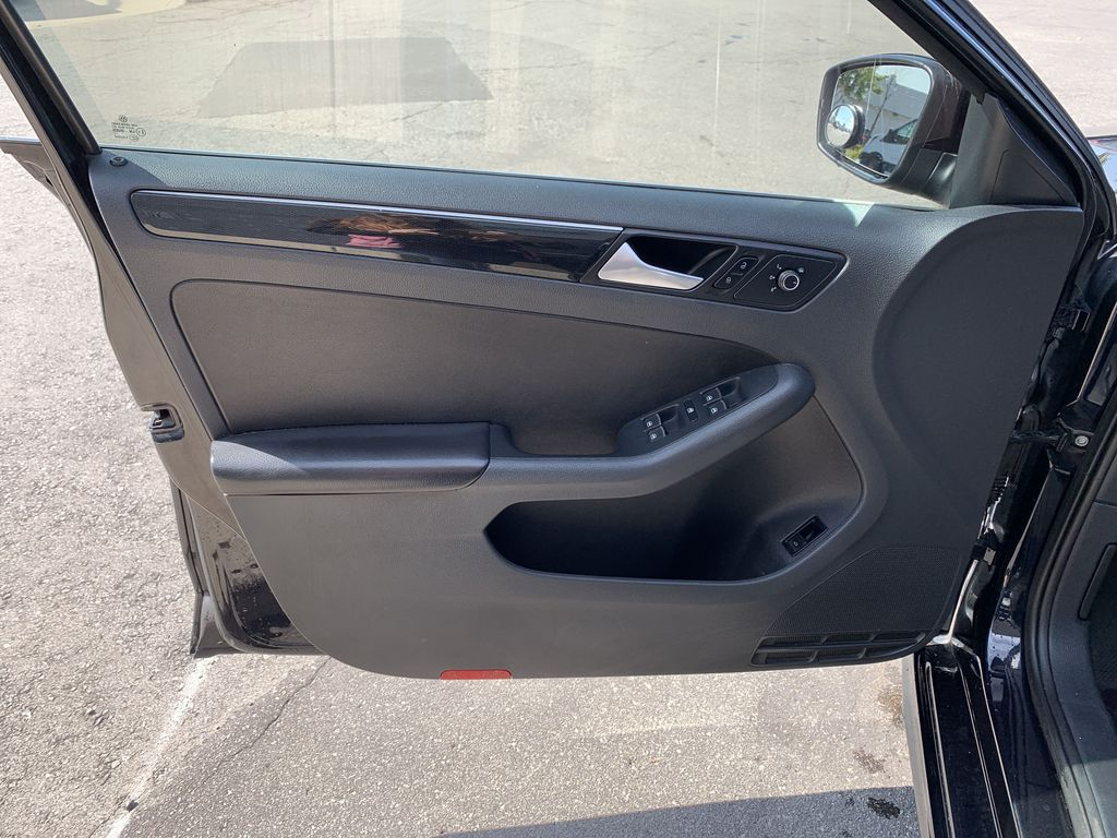 Black[Deep Black Pearl] 2017 Volkswagen Jetta Sedan Left Rear Interior Door Panel Photo in Brampton ON