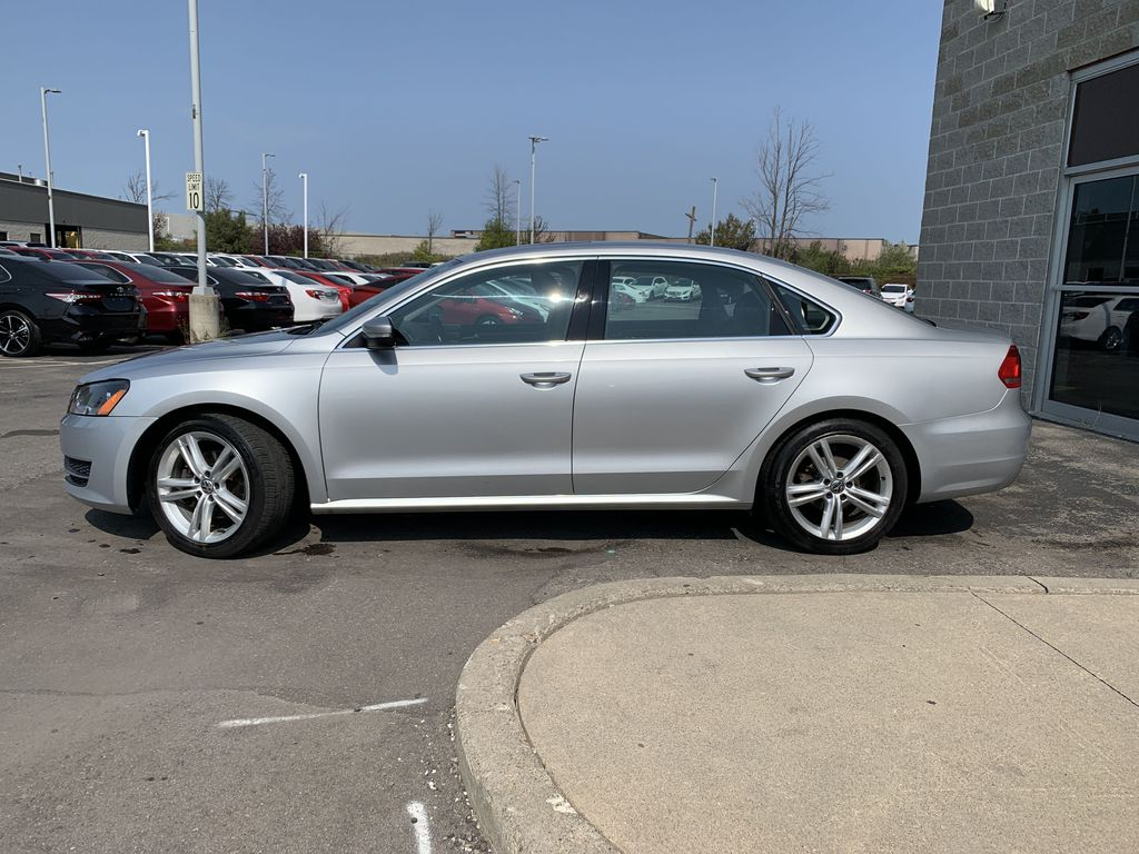 Silver[Reflex Silver Metallic] 2014 Volkswagen Passat OUT WITH KHURRAM Left Front Rim and Tire Photo in Brampton ON