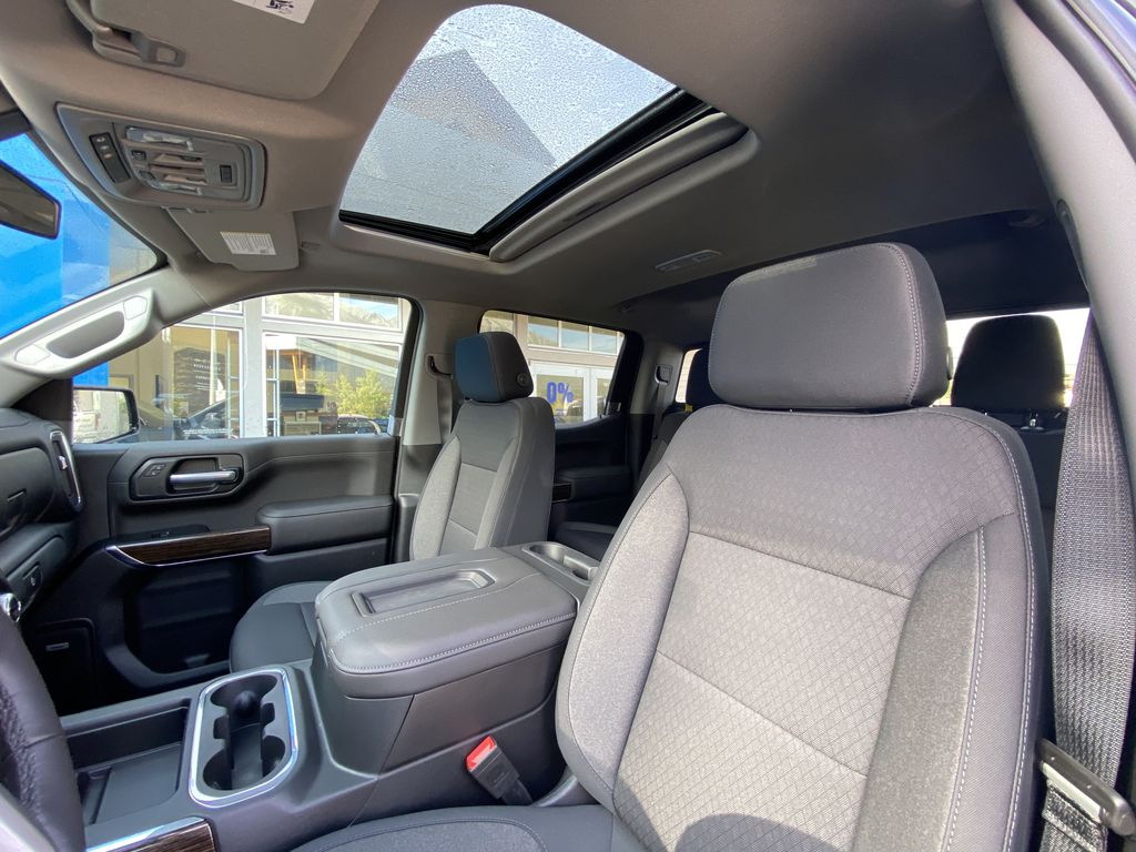 Black[Carbon Black Metallic] 2020 GMC Sierra 1500 Elevation Sunroof Photo in Canmore AB