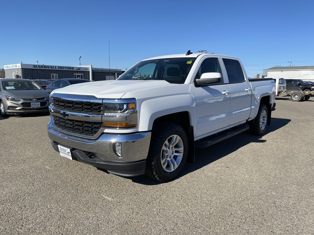 "White 2016 Chevrolet Silverado 1500 4WD Crew Cab 143.5"" LT w/2LT *Tow Package**Back-Up Cam*"