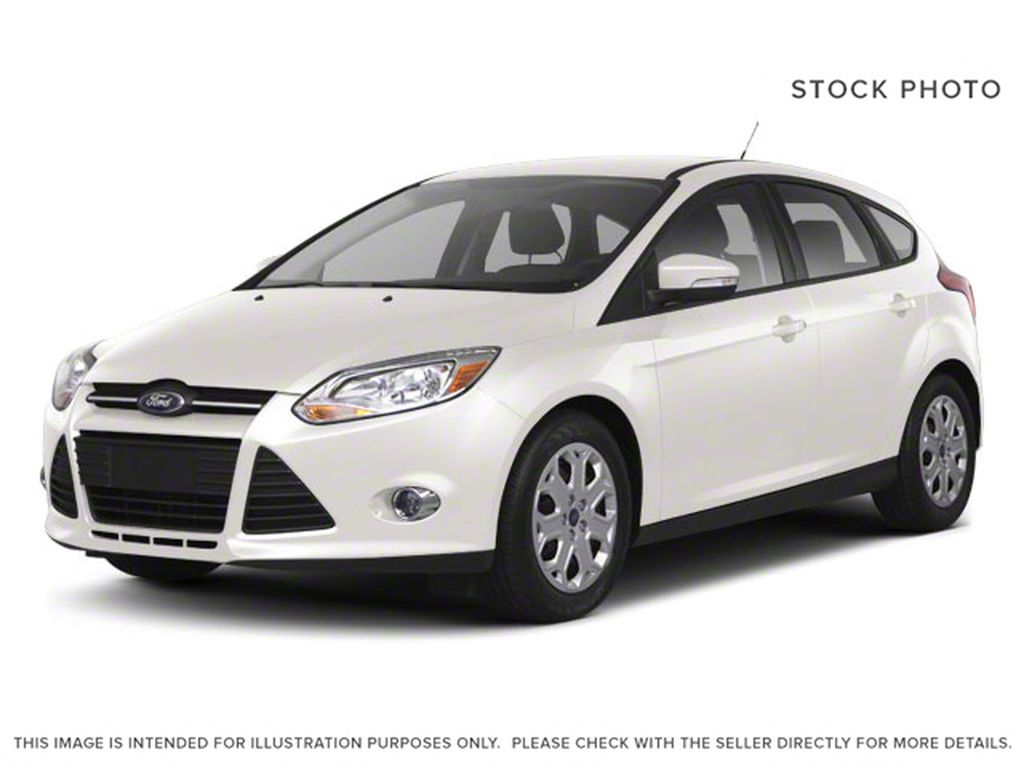 White[White Platinum Metallic Tri-Coat] 2012 Ford Focus