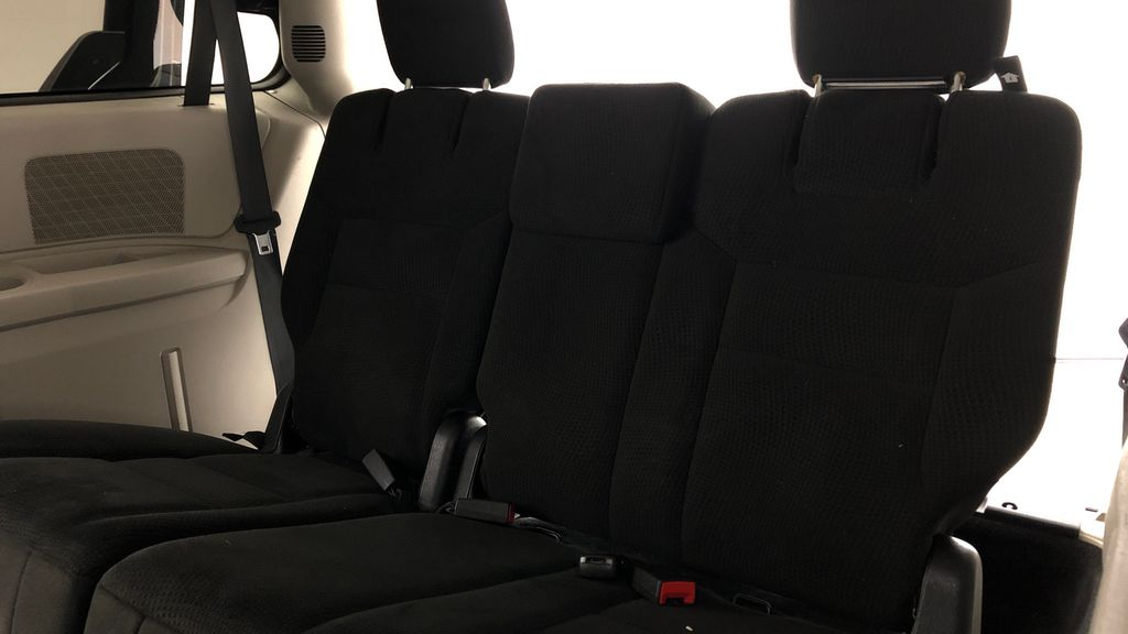Black[Brilliant Black Crystal Pearl] 2015 Dodge Grand Caravan SE - 7 Passenger, All Credit Approved Third Row Seat or Additional  Photo in Winnipeg MB