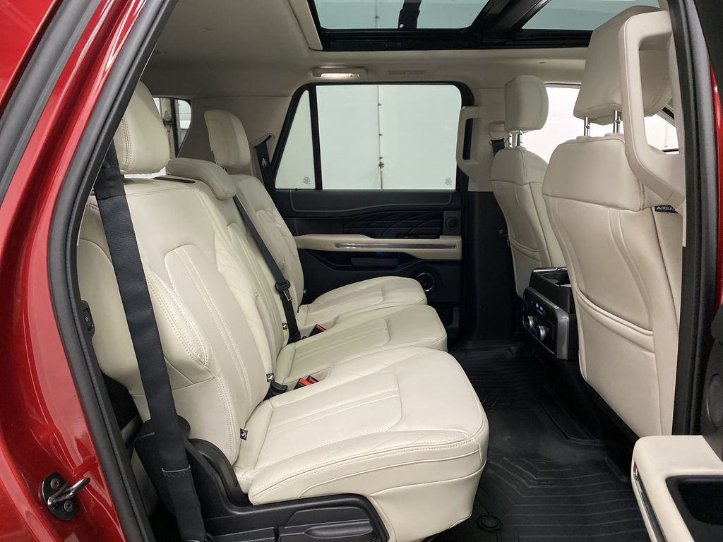 Red[Ruby Red Metallic Tinted Clearcoat] 2018 Ford Expedition Right Side Rear Seat  Photo in Dartmouth NS