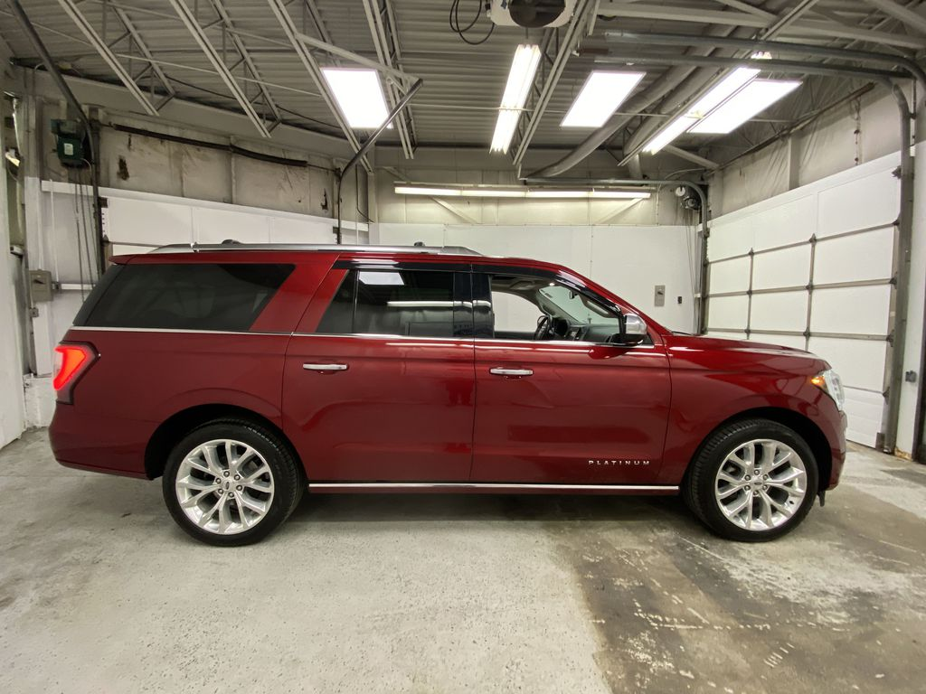 Red[Ruby Red Metallic Tinted Clearcoat] 2018 Ford Expedition Right Side Photo in Dartmouth NS