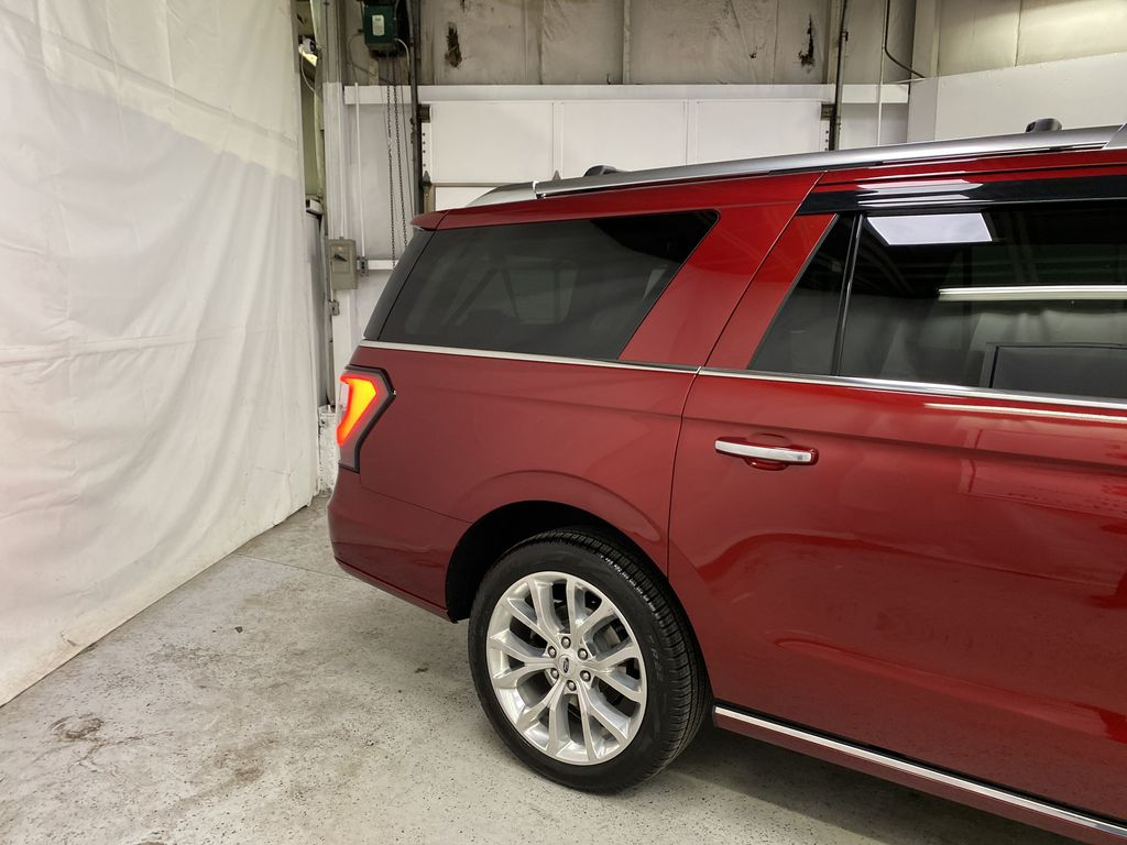 Red[Ruby Red Metallic Tinted Clearcoat] 2018 Ford Expedition Right Rear Corner Photo in Dartmouth NS