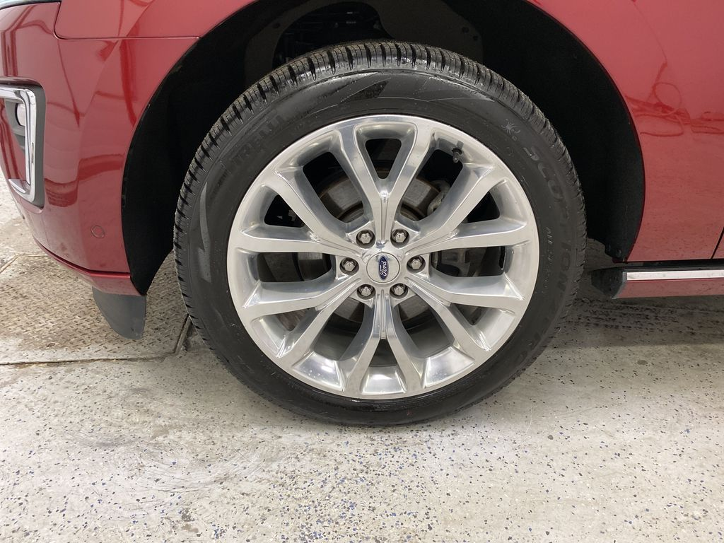 Red[Ruby Red Metallic Tinted Clearcoat] 2018 Ford Expedition Left Front Rim and Tire Photo in Dartmouth NS