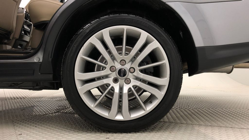 Gray[Orkney Grey Metallic] 2012 Land Rover Range Rover HSE LUX 4WD - Navigation, Almond Leather Left Rear Rim and Tire Photo in Winnipeg MB