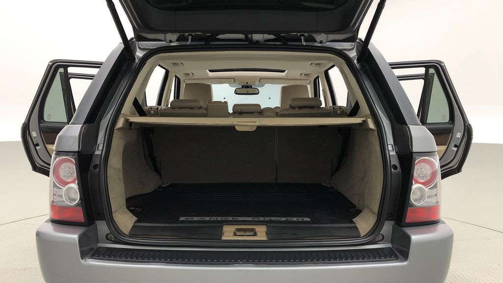 Gray[Orkney Grey Metallic] 2012 Land Rover Range Rover HSE LUX 4WD - Navigation, Almond Leather Trunk / Cargo Area Photo in Winnipeg MB