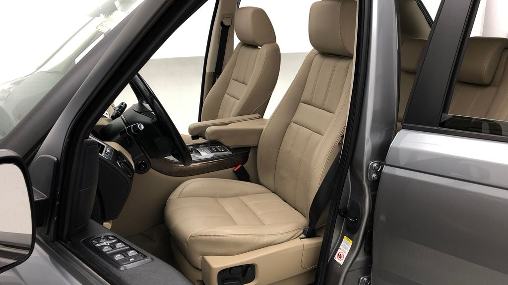 Gray[Orkney Grey Metallic] 2012 Land Rover Range Rover HSE LUX 4WD - Navigation, Almond Leather Left Front Interior Photo in Winnipeg MB
