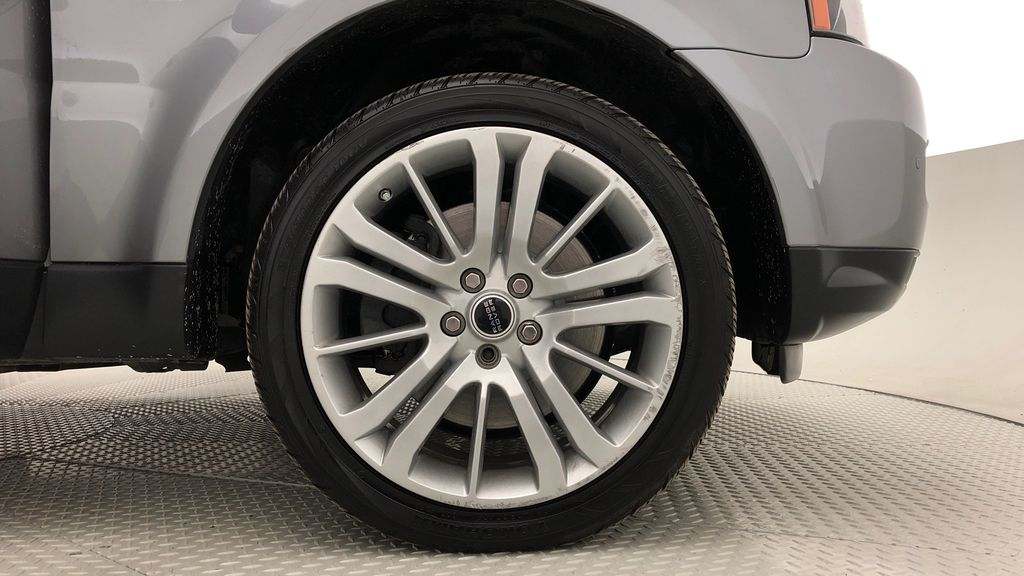 Gray[Orkney Grey Metallic] 2012 Land Rover Range Rover HSE LUX 4WD - Navigation, Almond Leather Right Front Rim and Tire Photo in Winnipeg MB