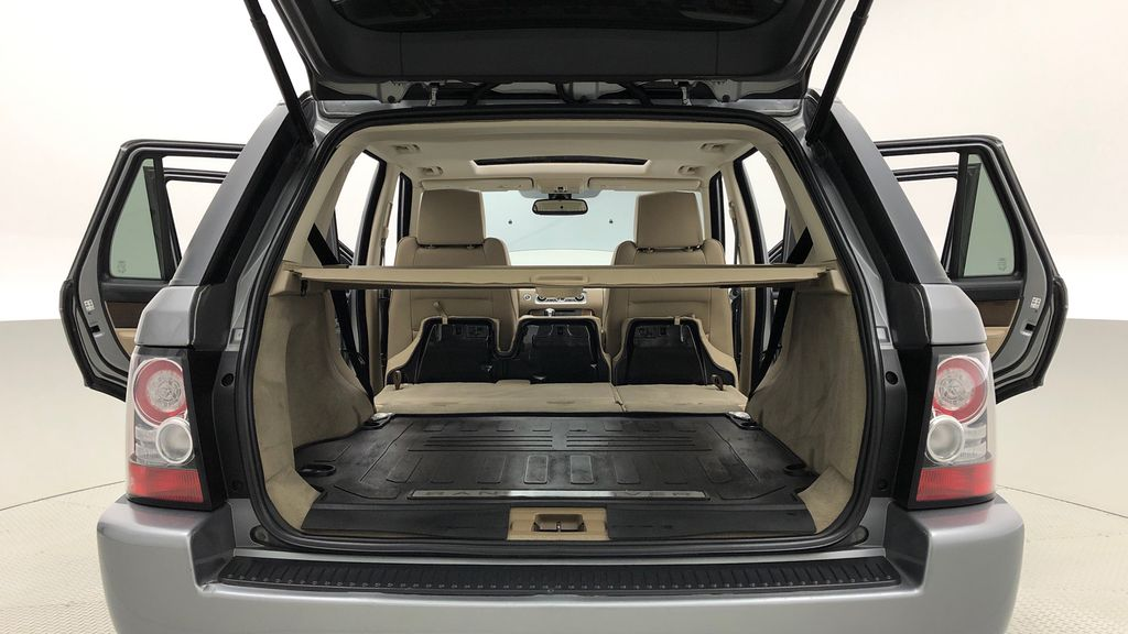 Gray[Orkney Grey Metallic] 2012 Land Rover Range Rover HSE LUX 4WD - Navigation, Almond Leather Rear Seat: Cargo/Storage Photo in Winnipeg MB
