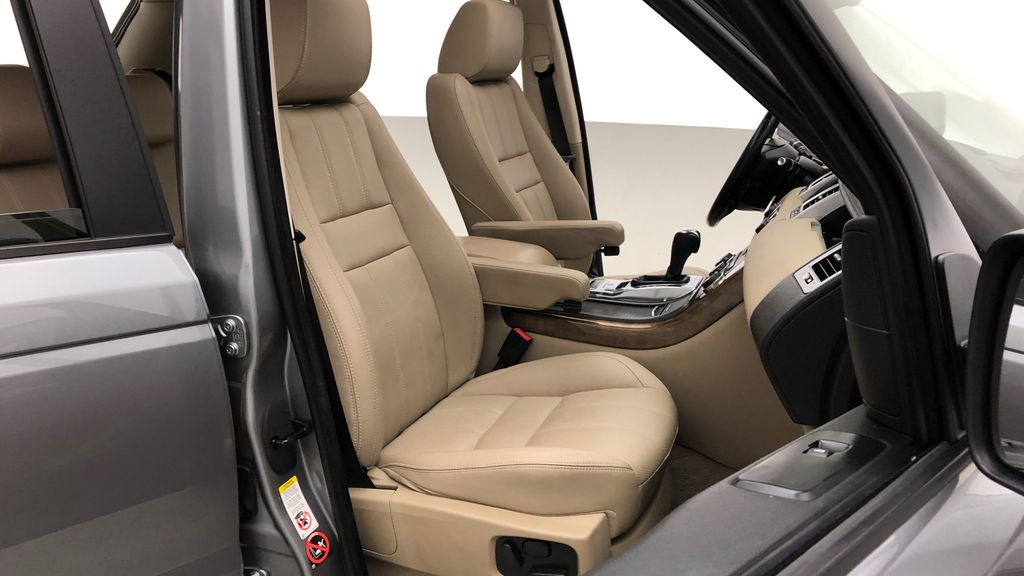 Gray[Orkney Grey Metallic] 2012 Land Rover Range Rover HSE LUX 4WD - Navigation, Almond Leather Right Side Front Seat  Photo in Winnipeg MB