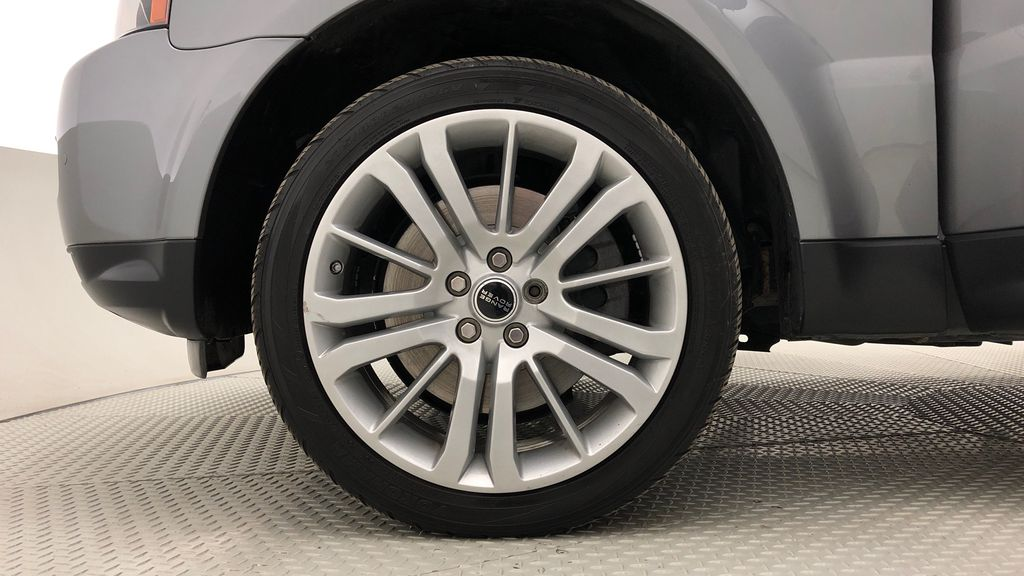 Gray[Orkney Grey Metallic] 2012 Land Rover Range Rover HSE LUX 4WD - Navigation, Almond Leather Left Front Rim and Tire Photo in Winnipeg MB