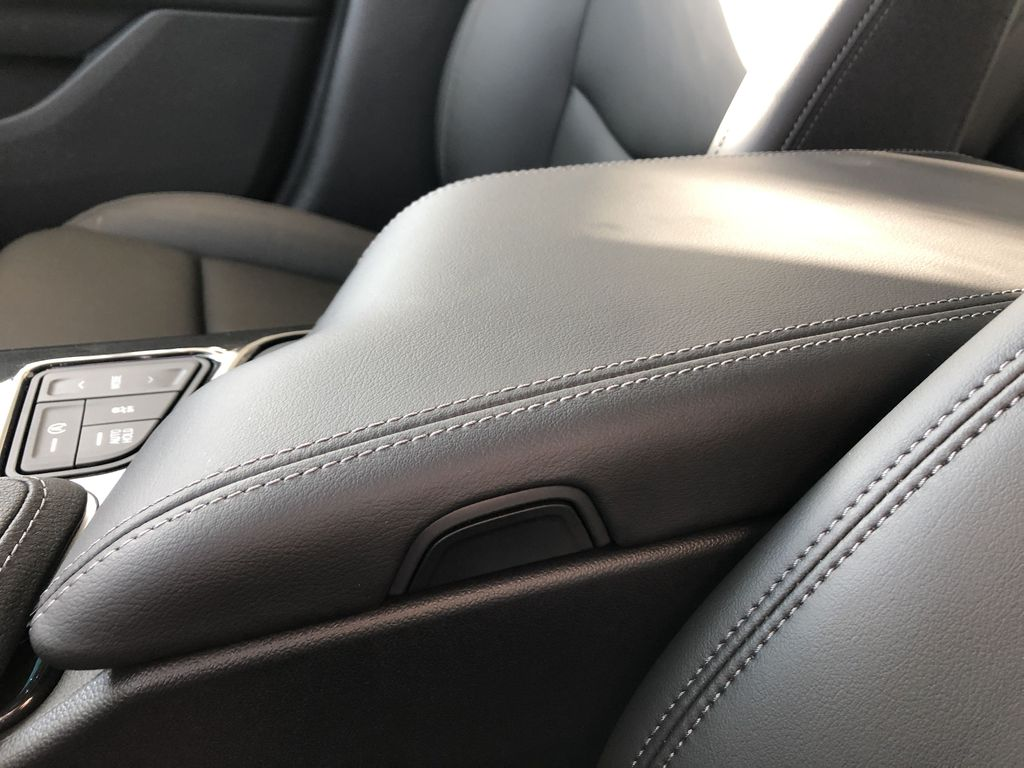 White[Crystal White Tricoat] 2020 Cadillac CT4 Center Console Photo in Edmonton AB