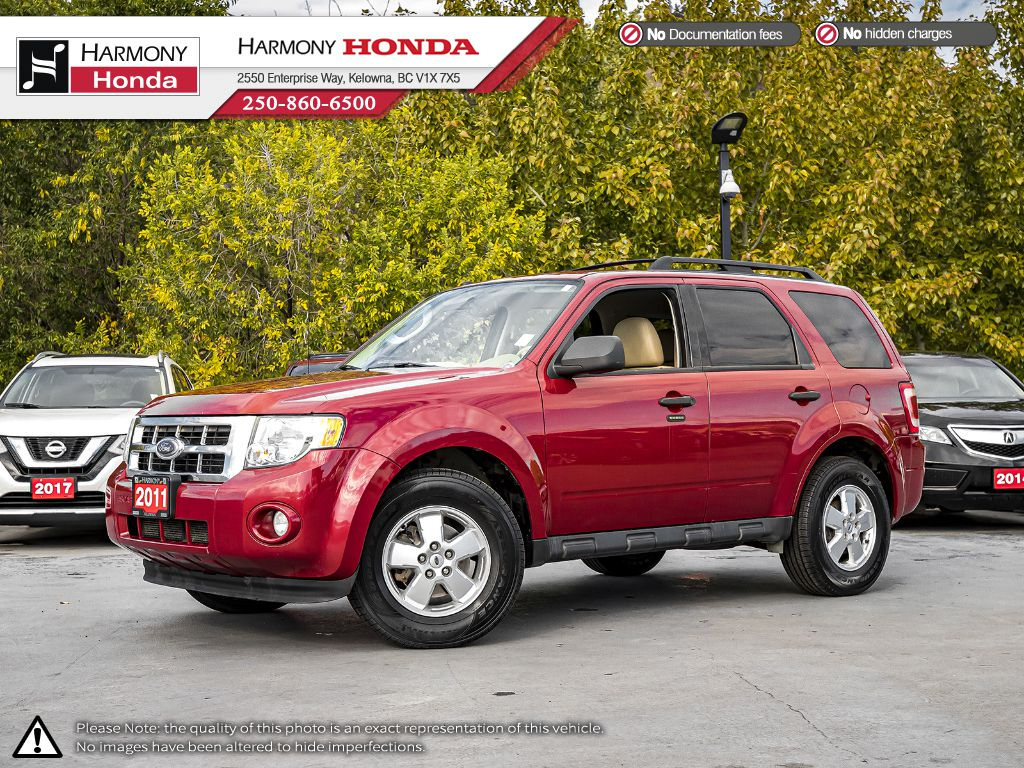 Pre-Owned 2011 Ford Escape XLT - BC VEHICLE - NO ACCIDENTS - ONE OWNER - NON SMOKER - BLUETOOTH - NEW TIRES - NEW FRONT BRAKES
