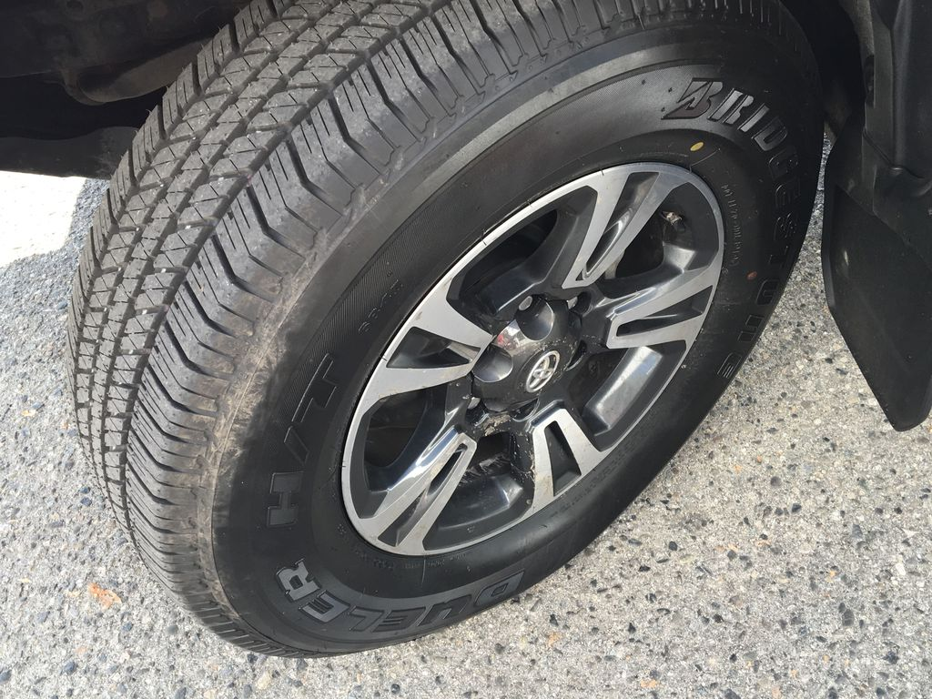 White[Alpine White] 2018 Toyota Tacoma TRD Sport Left Front Rim and Tire Photo in Kelowna BC
