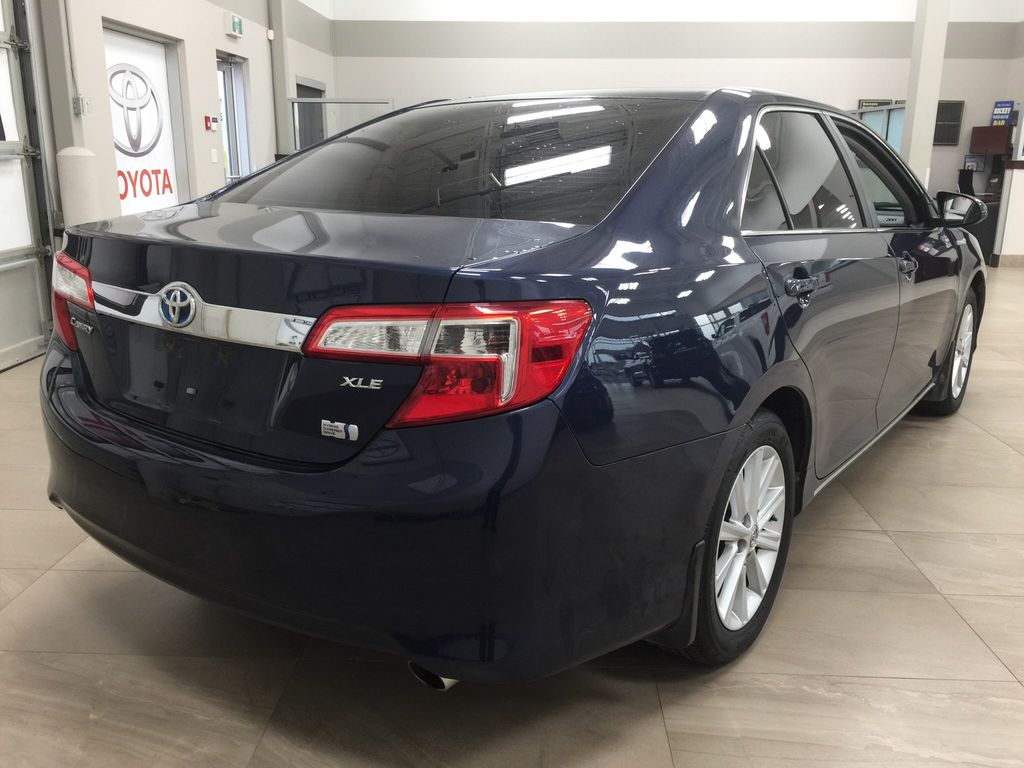 Blue[Parisian Night Pearl] 2014 Toyota Camry Hybrid XLE Right Rear Corner Photo in Sherwood Park AB