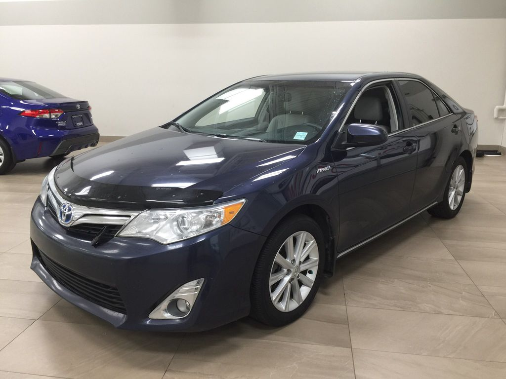 Blue[Parisian Night Pearl] 2014 Toyota Camry Hybrid XLE Left Front Corner Photo in Sherwood Park AB