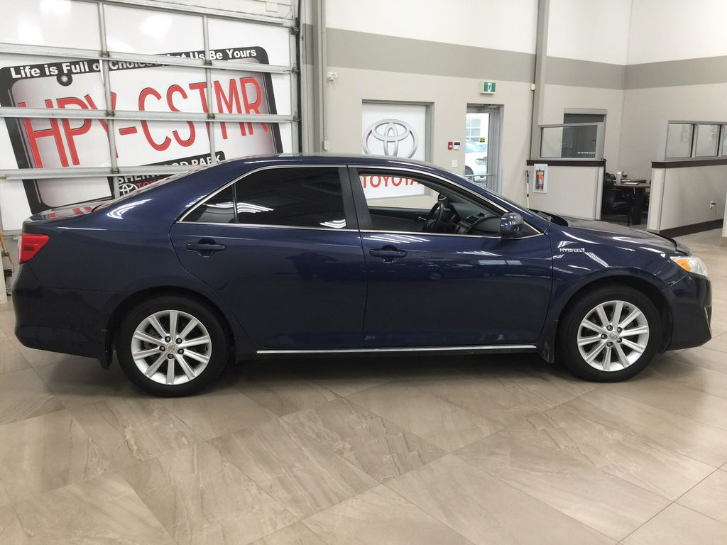 Blue[Parisian Night Pearl] 2014 Toyota Camry Hybrid XLE Right Side Photo in Sherwood Park AB