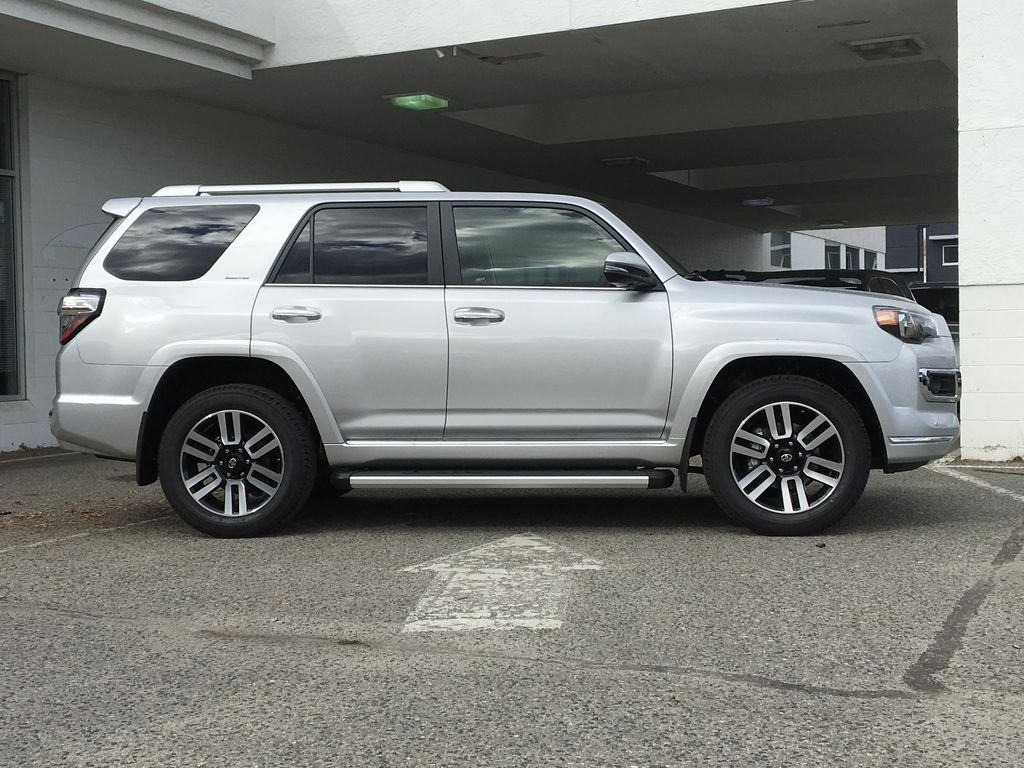 Silver[Classic Silver Metallic] 2021 Toyota 4Runner Limited Right Side Photo in Kelowna BC