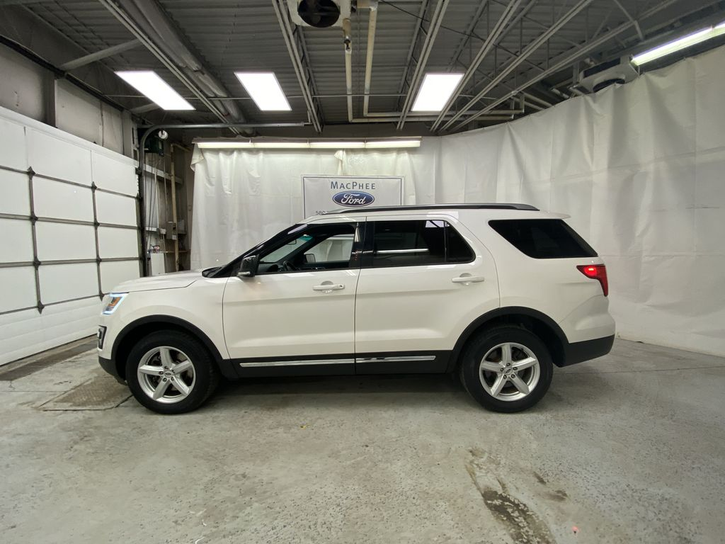 Black[Shadow Black] 2017 Ford Explorer Left Side Photo in Dartmouth NS