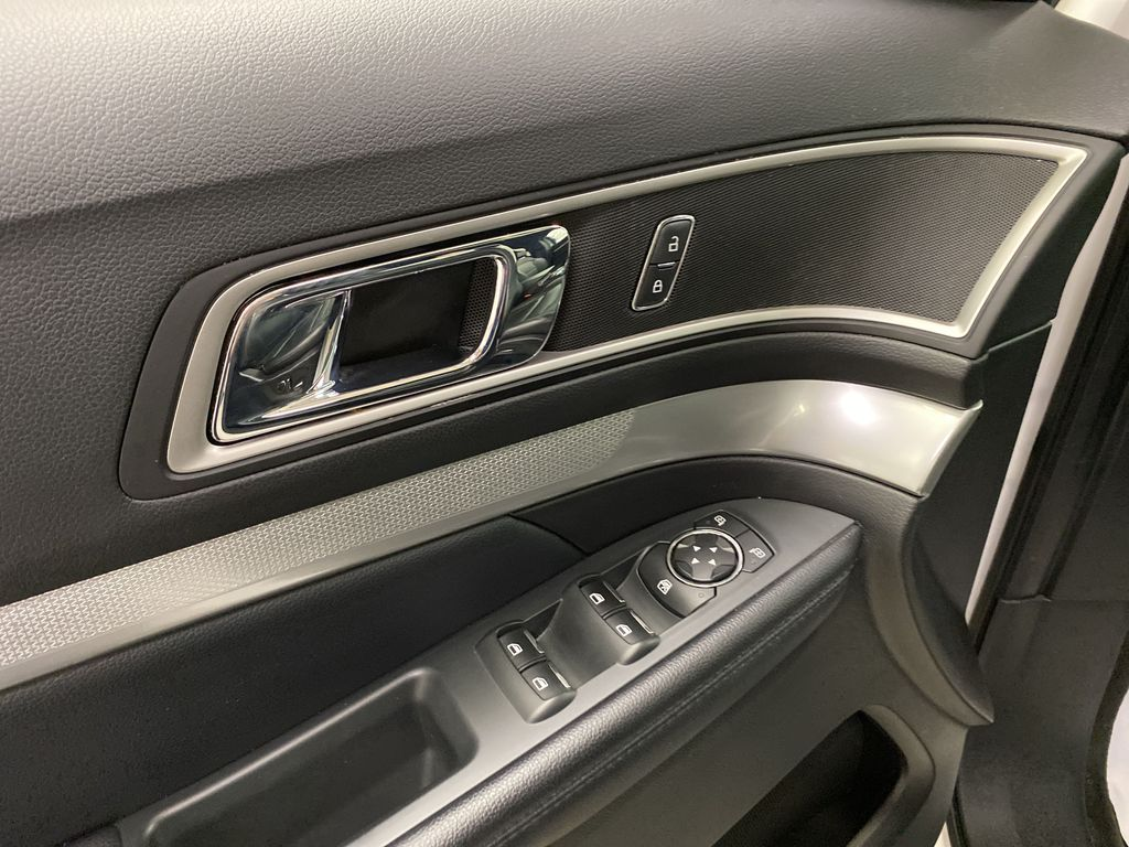 Black[Shadow Black] 2017 Ford Explorer  Driver's Side Door Controls Photo in Dartmouth NS