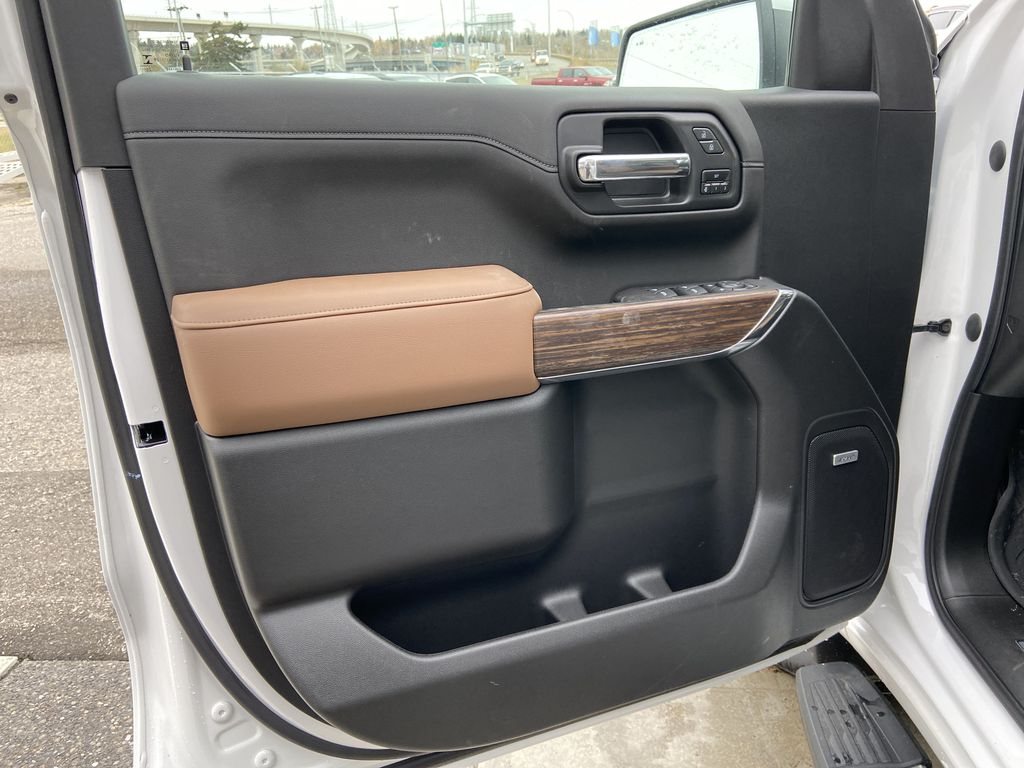White[Iridescent Pearl Tricoat] 2021 Chevrolet Silverado 1500 High Country Left Front Interior Door Panel Photo in Calgary AB