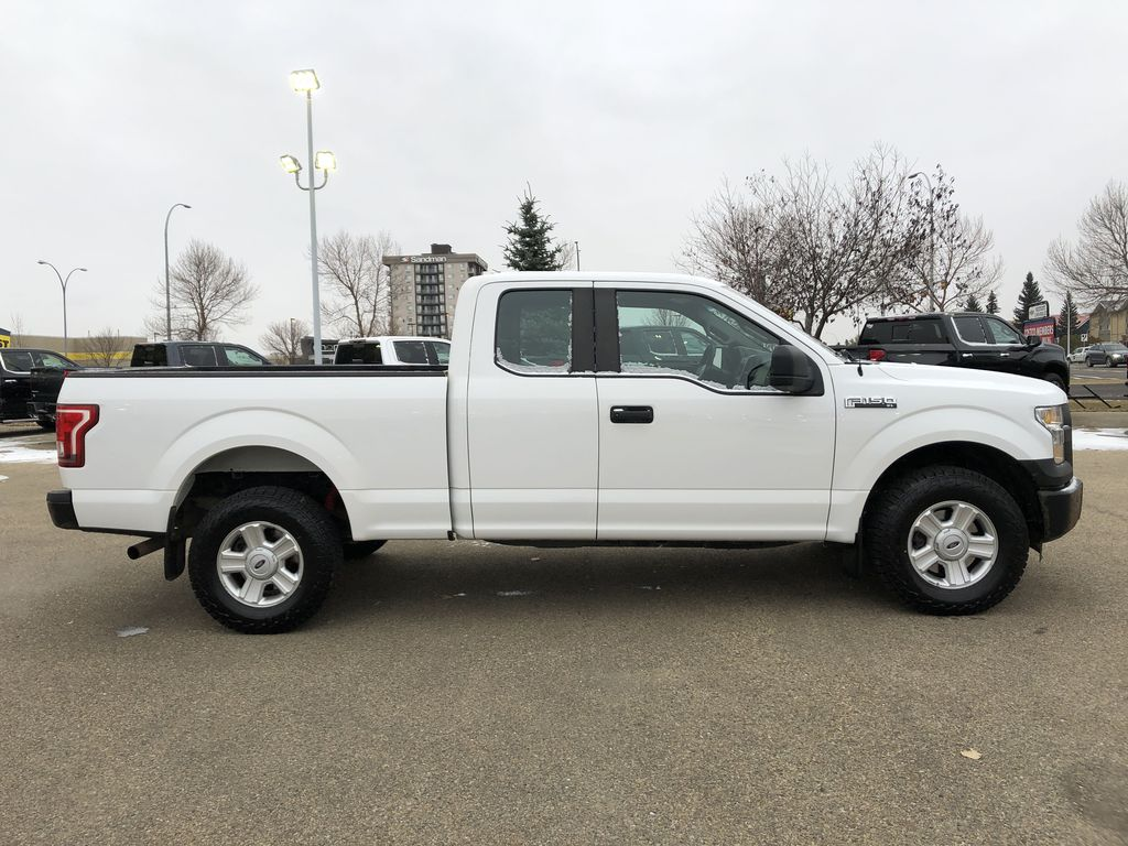 White[Oxford White] 2015 Ford F-150 Right Side Photo in Edmonton AB