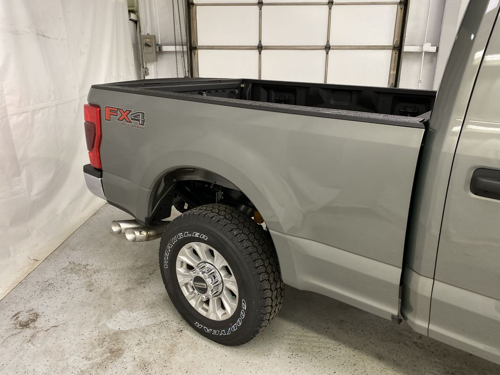 Silver[Iconic Silver Metallic] 2020 Ford Super Duty F-350 SRW Right Rear Corner Photo in Dartmouth NS