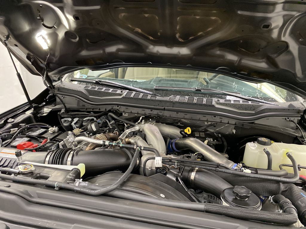 Silver[Iconic Silver Metallic] 2020 Ford Super Duty F-350 SRW Engine Compartment Photo in Dartmouth NS